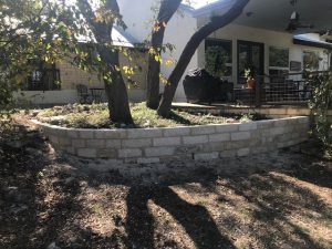 backyard-limestone-planter-burnett-texas